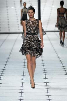 Even among the recent wave of American designers, Wu stands out as the expert of the freshly updated, lady like look.